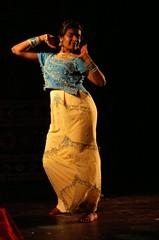 laja335 (leprincea) Tags: bollywood mudra danses barathanatyam indiennes