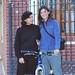 Con mi mama en la puerta de mi casa ,Probando la bici con equipaje por primera vez en el barrio de casa con mi mama