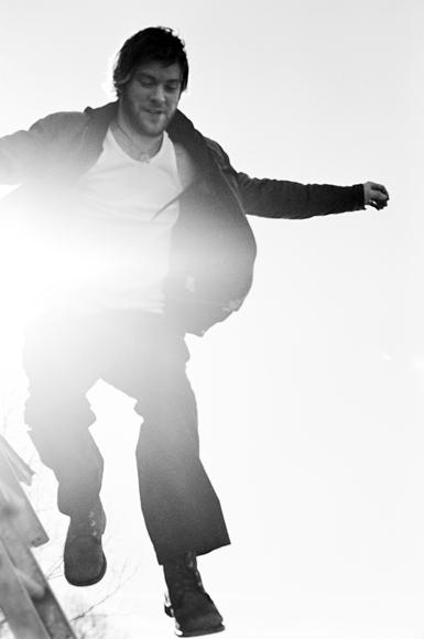 el_064 matthew jumping