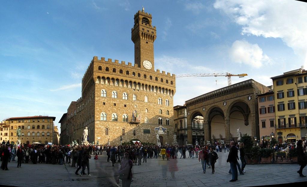 Piazza della Signoria, with Palazzo Vecchio and Loggia