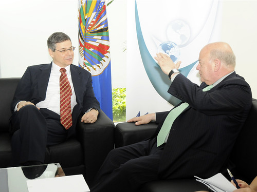OAS Secretary General meets with the Vice-Minister of Foreign Affairs of Israel