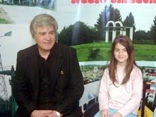 Daniel Brogin junto a su hija