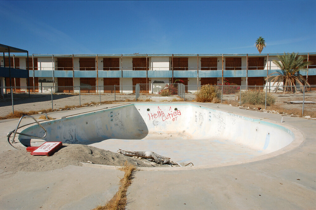 Slab City Hotels