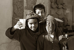 Diablos de Vinhais PORTUGAL (carlos gonzlez ximnez) Tags: blancoynegro portugal de pueblo muerte antigua carnaval ritual invierno mascara anthropologie rite myth rituel analogica ancestral braganza antropology tradicion tradicin ethnography diablos rito antropologia aldea iberica costumbre etnografia etnologia mythe vinhais ethnographie ancientfolklore mascaradadeinvierno 2mascarada vieuxfolkloreancestral photographieethnographique photographieanthropologique culturaprimitiva fotografiaetnograficamito