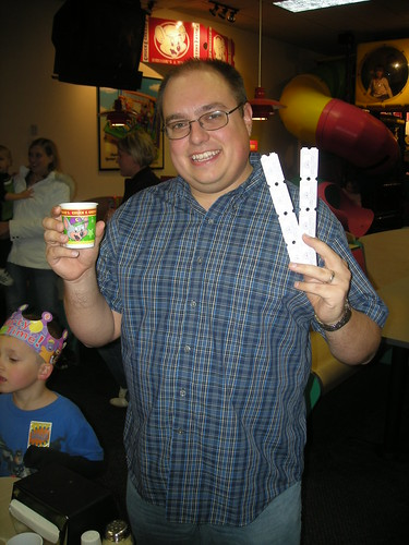 Brian Mark, host of SEO 101, partying at Chuck E Cheese