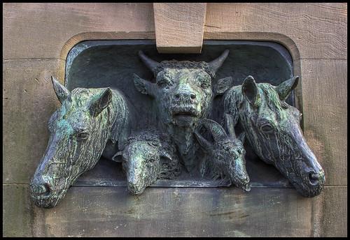 Animal fountain/Tierbrunnen by xollob58.