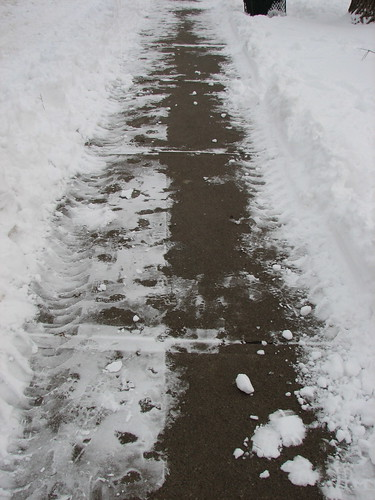 Evidence that sidewalk plows CAN fit on my neighbourhood's sidewalks