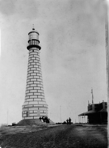 Foto Antigua de Faro Punta Mogotes | Vintage Photo of Punta Mogotes Lighthouse Mar del Plata, Argentina by rodrimdq on Flickr