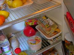 que comemos hoy? (miss wasabi) Tags: kitchen fridge cocina nevera