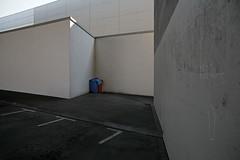 Salto rückwärts (LichtEinfall) Tags: composition köln parkplatz messe backflip zoobrücke erpe khd028 saltorückwärts raperre urbancubism