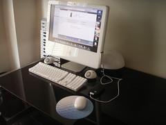 iMac e iPod Touch (JaviMac) Tags: apple escritorio