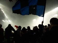 Inter Campione d'Italia - 16 Scudetto (giginino) Tags: milano duomo festa pioggia inter pazzi campione stadio bandiere icona bandiera ditalia tifosi contrasto delirio scudetto festeggiamenti birre striscioni immaginario 16