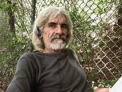 Extraño 1/100!!! Victor Rodriguez (Eruиэ!!) Tags: al jardin victor ucv botanico rodriguez frente señor librero erune 100extraños