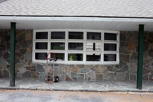 075 Entrance House 41