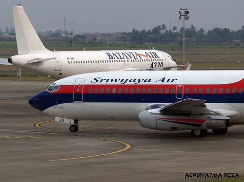 Sriwijaya Air Boeing 737-200 PK-CJO por Achdiyatma Reza.