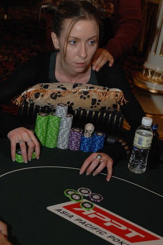 APPT Macau 2007 High Roller Event: Isabelle Mercier and her lucky skull
