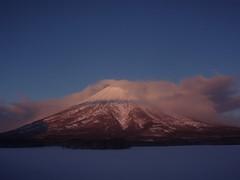 朝焼けの羊蹄山