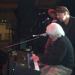 "with Michael McDonald in Paris <a style=""margin-left:10px; font-size:0.8em;"" href=""http://www.flickr.com/photos/23722741@N04/2261156860/"" target=""_blank"">@flickr</a>"