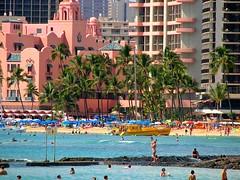 Waikiki Beach, Honolulu, Hawaii (Daniel Kliza) Tags: ocean vacation usa sun holiday beach water america swim hawaii sand paradise waikiki oahu united unitedstatesofamerica pacificocean diamondhead hi honolulu states