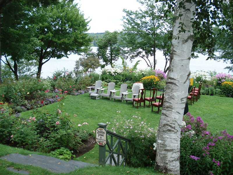 Copyright Photo: Hovey Manor Garden by Montreal Photo Daily, on Flickr