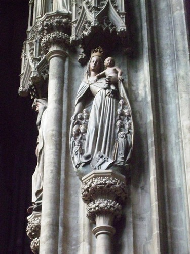 Statue in Stephansdom