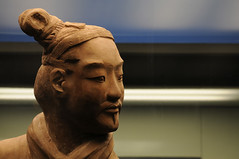 Chine  - Xian  (Thierry B) Tags: voyage china travel sculpture art portraits geotagged soldier army photography photo reisen travels asia asien dr xian historical warriors asie   2008 geotag sculptures lintong necropolis soldat ch chine shaanxi arme voyages  porcelana  geolocation photographies qinshihuang   ncropole porcellana  guerriers terracotawarriors porceln   trungquc qinshihuangdi  qinsarmies   themiddlecountry thierrybeauvir beauvir wwwbeauvircom 20080516 lempiredumilieu grandearmedeterrecuite  guerriersdexian   droitsrservs   armedessoldatdeterrecuite lintongdistrict
