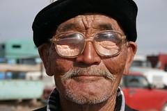 dezelfde meneer (cienjaal) Tags: regenboog portretten bergen michiel reizen kleur vlees cien landschappen scoubidou kirgistan schelkens sonkul centraalazie