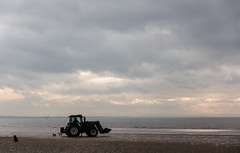 Tractor (teltone) Tags: anotherplace waterloo sony sonyrx100mk4 seftoncoast liverpool merseyside beach anthonygormley winter flaneur mirrorless street sefton uk shoplocal home culture fab afternoon sonyrx100m4