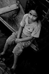 Ribeirinha (paulonevesjr) Tags: girl canon river boat student amazon poor menina canoa amazonas estudante ribeirinha 40d pauloneves cuiant carauari