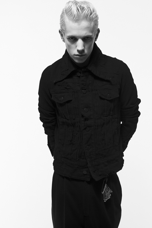 Adam 0011_QL AW11(Fashion Press)