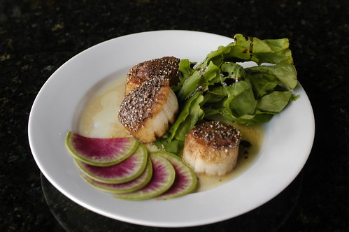 sea scallops with black rice flour