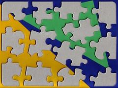 Puzzle alla rovescia (aldoaldoz) Tags: scanner puzzle oggetti aldoaldoz
