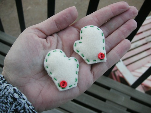 Mini Mitten Magnets