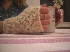 Vine, fingerless mitts