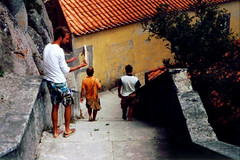 Down! (tom.tieman) Tags: mountain portugal stairs down downstairs monastry goingdown imre merijn siemen sandinshoes guinco rockinshoe takingoffshoe