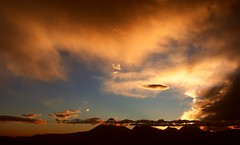 Light and shadow/Luz y sombra. (Jos Maldonado) Tags: sunset sky cloud nature atardecer earth guatemala cielo nubes awesomeafterglow spectacularsunsetsandsunrises