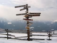 Centre alpin du Lac Louise - Lake Louise Resort (Martin Bergeron) Tags: lake sign lac louise alberta