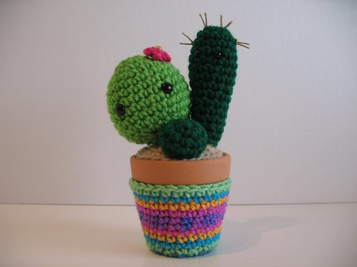 Crochet Characters Soft & Snuggly Cacti: 12 Succulent Designs ... | 375x500