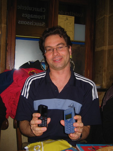 Jordi loves his new phone