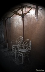 Sedie - Chairs (Pablos55) Tags: sedie muro ombrellone chairs wall umbrella