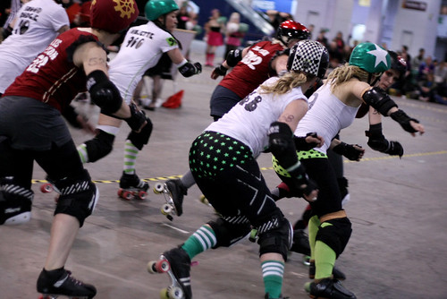Steam Rollers vs Ultraviolent Femmes - London Rollergirls