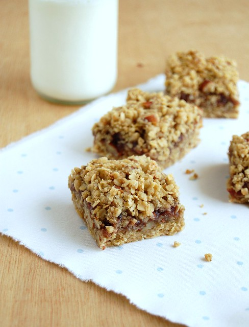 Back to school raspberry granola bars / Barrinhas de granola e geléia de framboesa
