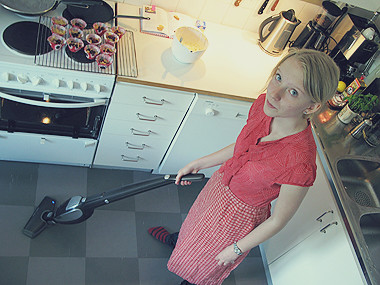 Elin cleaning