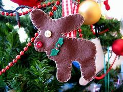 Day 17 - Felt reindeers (sunnydayshere) Tags: christmas reindeer craft felt stitching tutorial