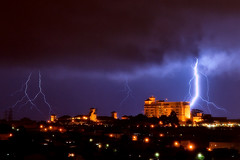 Lightning in Campinas (more photos on comments) (Chaval Brasil) Tags: city blue brazil sky cloud storm building nature brasil night clouds canon dark landscape geotagged landscapes published saopaulo sopaulo wikipedia nightscene lightning venue campinas winnerscircle theroyalpalmplaza sigma1770 rebelxti400d coletiva2010nufca fotovotr foursquare:venue=4ea350497ee52a35dd498405
