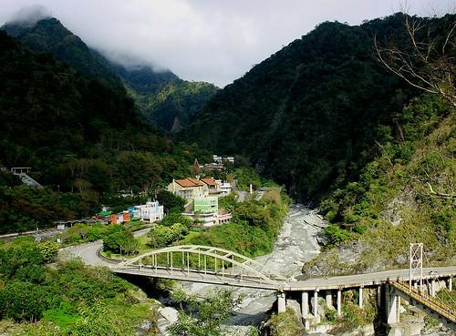 Sunlit Valley of Tienshiung