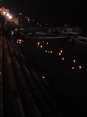 varanasi burning flowers