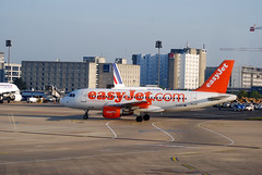easyJet A319-111, G-EZIG (usf1fan2) Tags: u2 easyjet airbus a319 a319100 airbusa319100 airbusa319