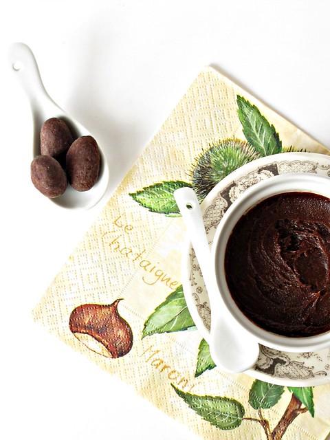 Crema di Cioccolato e Marroni con Dragées di Uva Passa