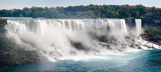 Niagara_Falls_Panorama1